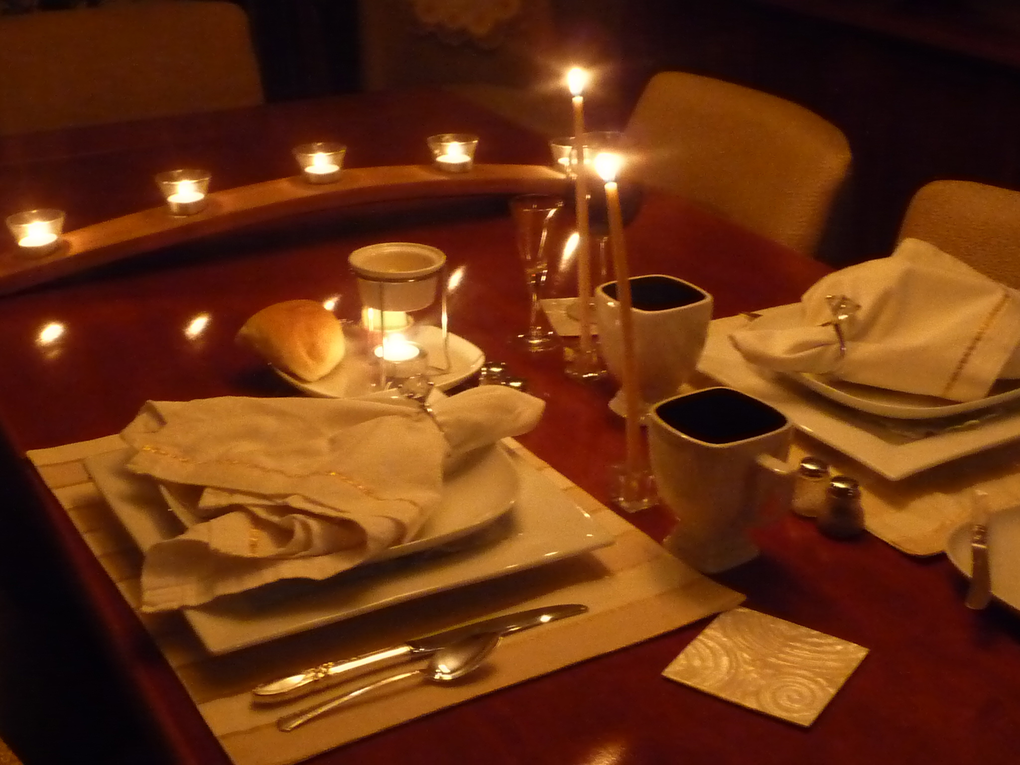Romantic dinner setting at home for two for Romantic dinner