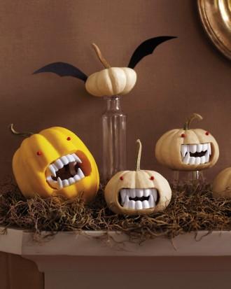 Drac-O-Lantern fanged pumpkin