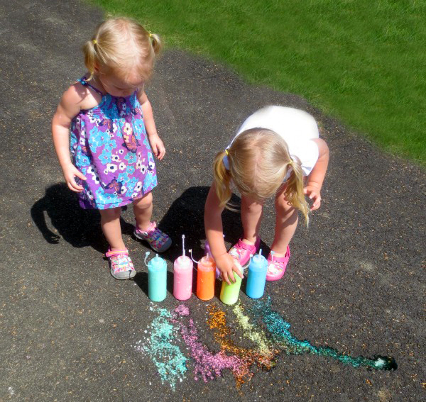 Make your own squirtable chalk!