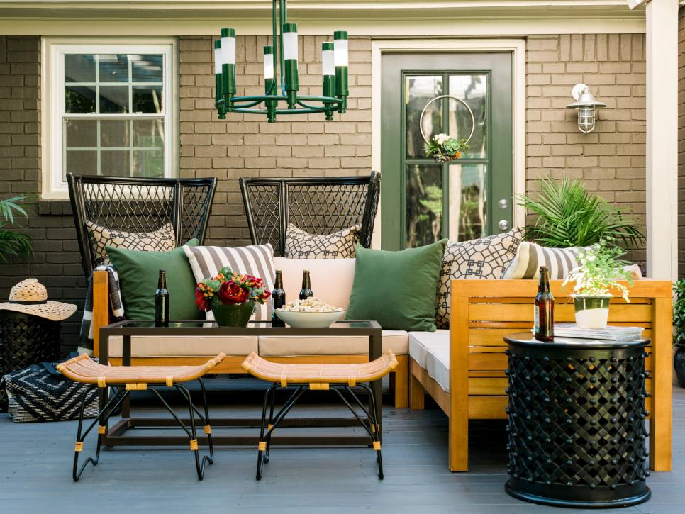 Original_BPF_Fall-House16_Extend-Your-Outdoor-space-Into-Fall_Add-a-Sectional.jpg.rend.hgtvcom.966.725