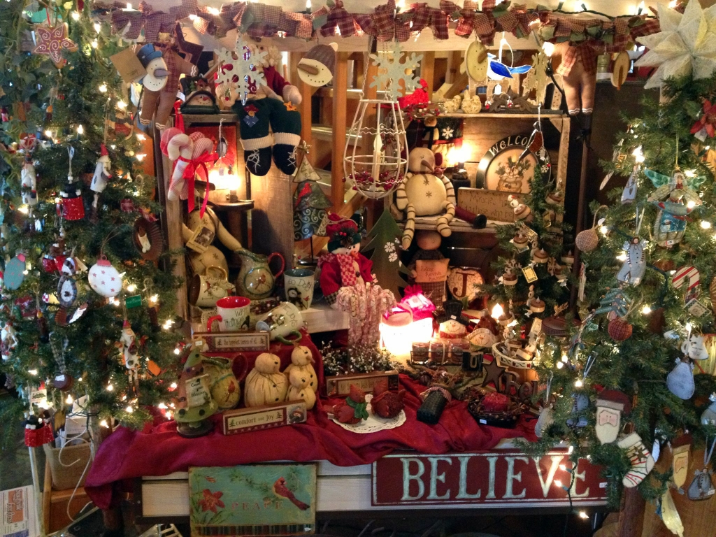 A quick look at Candlelights & Memories Facebook page shows all the specialty items in store for you.